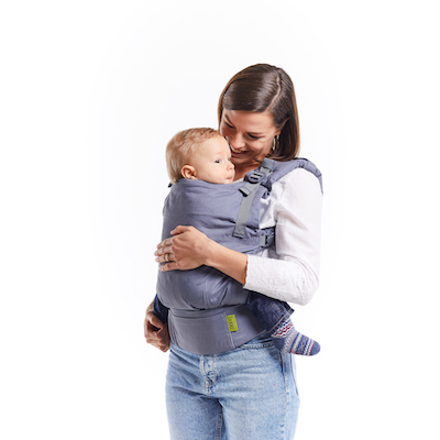 mother carrying baby in boba x buckle carrier